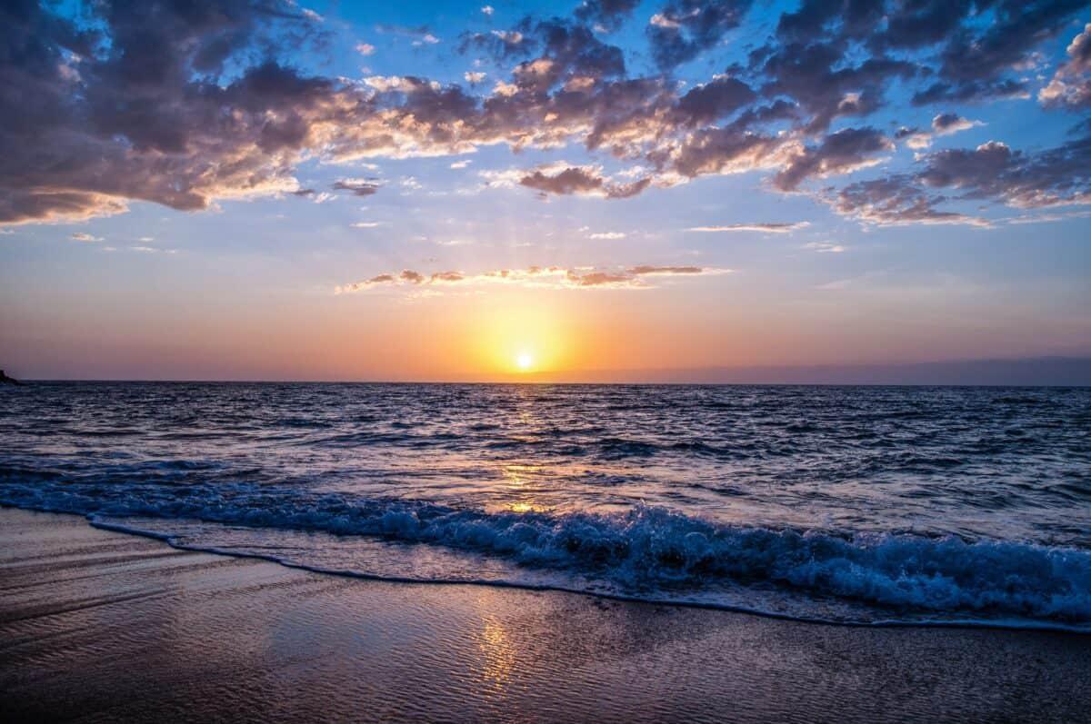 Inspiring sunset over the ocean